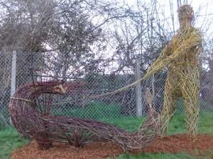 Dim Cwn - Living Willow Man-walking a dragon